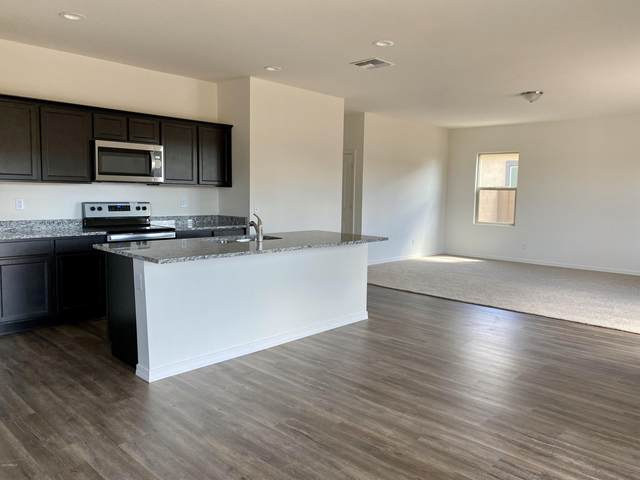 5827 E Helios Drive, Florence, AZ 85132 (MLS #6099927) :: Klaus Team Real Estate Solutions
