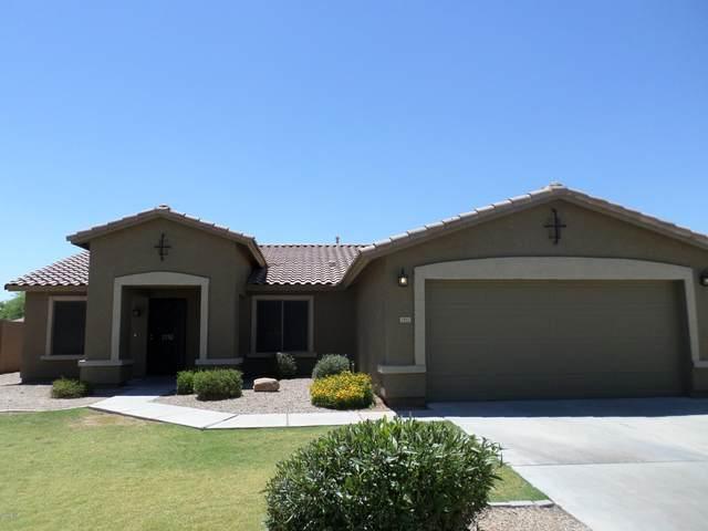 2152 S Penrose Drive, Gilbert, AZ 85295 (MLS #6100267) :: Scott Gaertner Group