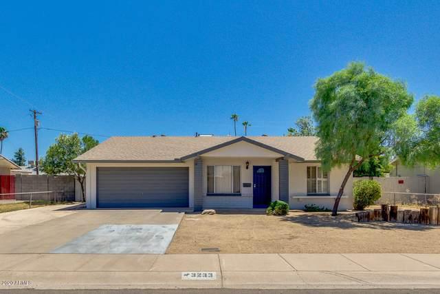 3233 W Mandalay Lane, Phoenix, AZ 85053 (MLS #6100643) :: Devor Real Estate Associates