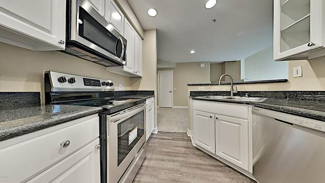 3633 N 3RD Avenue #2064, Phoenix, AZ 85013 (MLS #6103215) :: Riddle Realty Group - Keller Williams Arizona Realty