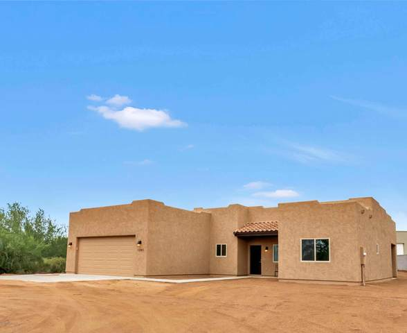 4943 E 14th Avenue, Apache Junction, AZ 85119 (MLS #6107150) :: Long Realty West Valley