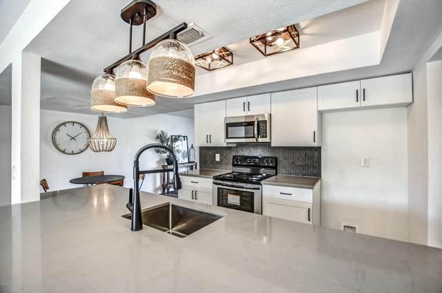 15247 N 53RD Avenue, Glendale, AZ 85306 (MLS #6109439) :: Klaus Team Real Estate Solutions