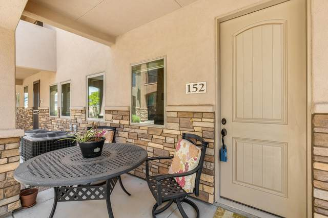 2821 S Skyline Drive #152, Mesa, AZ 85212 (MLS #6111720) :: Lux Home Group at  Keller Williams Realty Phoenix