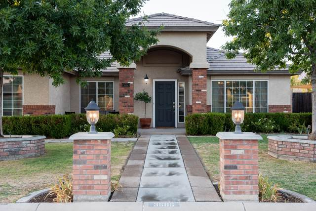 3686 E Meadow Mist Lane, San Tan Valley, AZ 85140 (MLS #6115627) :: The Results Group