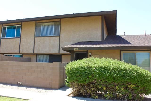 1714 W Village Way, Tempe, AZ 85282 (MLS #6116132) :: Klaus Team Real Estate Solutions