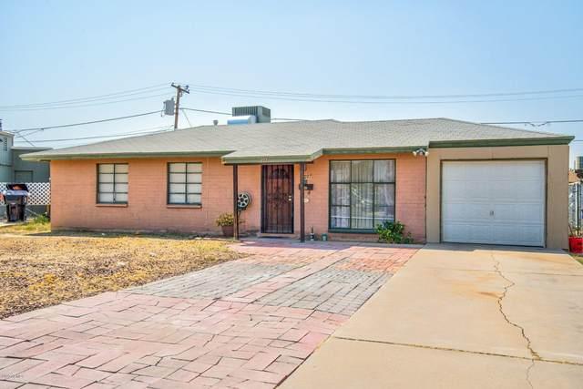 207 W Madden Drive, Avondale, AZ 85323 (MLS #6122189) :: Devor Real Estate Associates