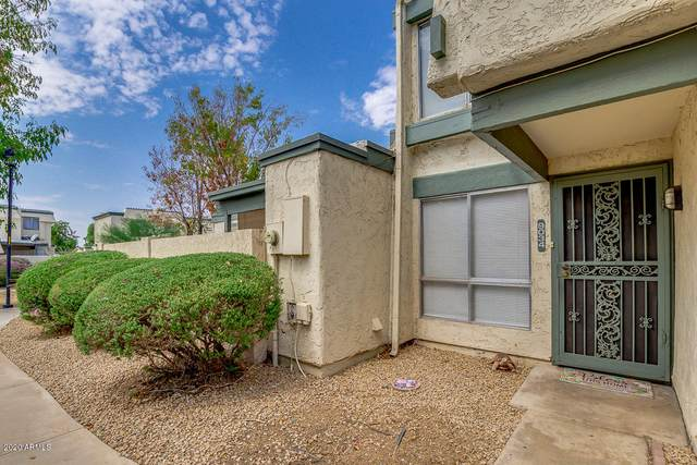 9034 N 51ST Lane, Glendale, AZ 85302 (MLS #6124548) :: The Laughton Team