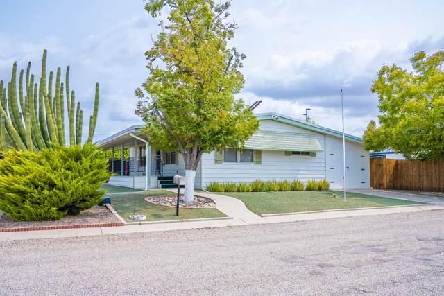 33425 N 223RD Drive, Wittmann, AZ 85361 (MLS #6127792) :: Conway Real Estate