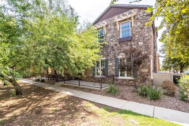 4748 E Waterman Street #102, Gilbert, AZ 85297 (MLS #6128549) :: Klaus Team Real Estate Solutions