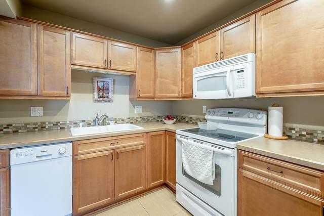 425 S Parkcrest Street #327, Mesa, AZ 85206 (MLS #6129880) :: Maison DeBlanc Real Estate