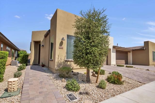 868 E Cobble Stone Drive, San Tan Valley, AZ 85140 (MLS #6132466) :: Lucido Agency