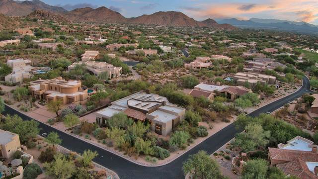 10685 E Cottontail Lane, Scottsdale, AZ 85255 (MLS #6133314) :: Lucido Agency