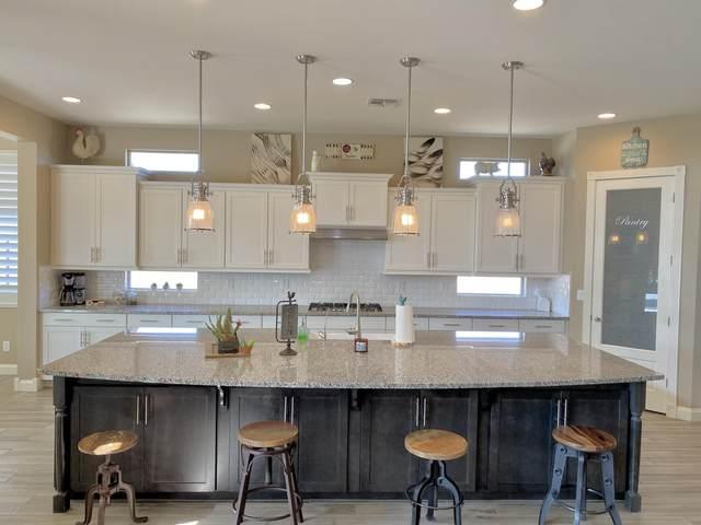 10573 W Camino De Oro, Peoria, AZ 85383 (MLS #6136962) :: Long Realty West Valley