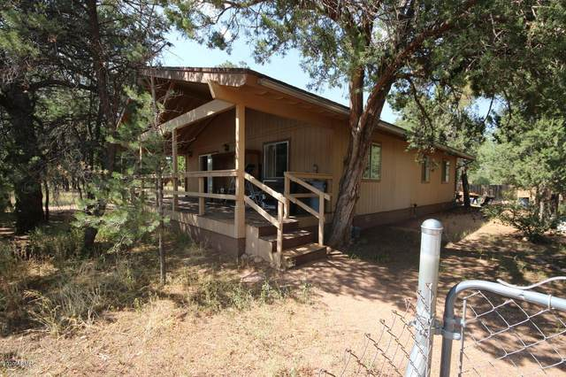 2132 Forest Park Drive, Overgaard, AZ 85933 (MLS #6137893) :: Yost Realty Group at RE/MAX Casa Grande