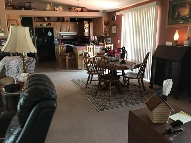 46208 W Abbott Road, Wickenburg, AZ 85390 (MLS #6139192) :: Brett Tanner Home Selling Team