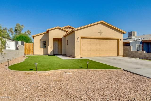 221 S Main Drive, Apache Junction, AZ 85120 (MLS #6139303) :: Scott Gaertner Group