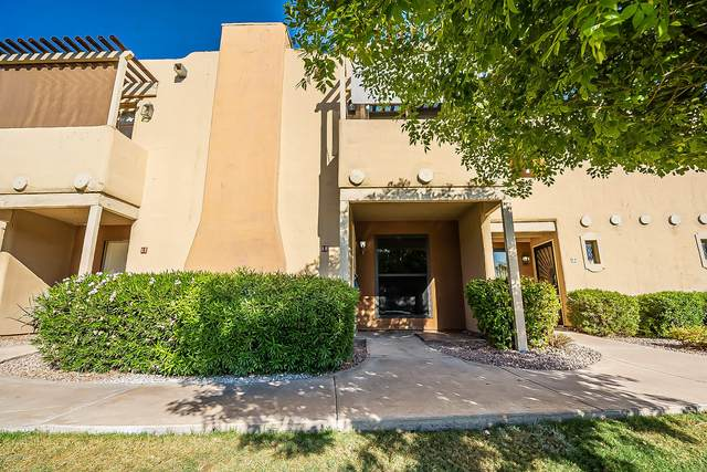 1425 E Desert Cove Avenue #18, Phoenix, AZ 85020 (MLS #6139403) :: Yost Realty Group at RE/MAX Casa Grande