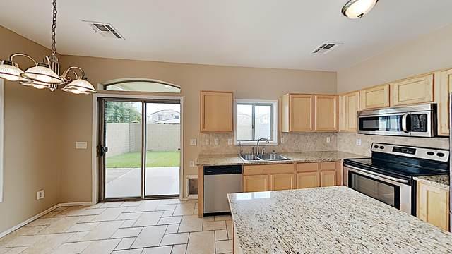 2725 E Mine Creek Road #1080, Phoenix, AZ 85024 (MLS #6139671) :: Brett Tanner Home Selling Team