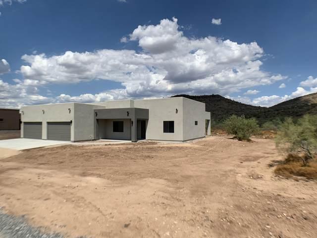 35 E Old Paint Trail, Phoenix, AZ 85086 (MLS #6140063) :: neXGen Real Estate