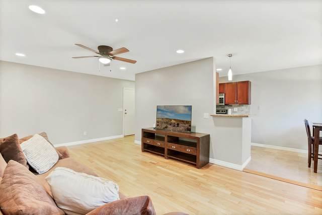 4120 N 78TH Street #111, Scottsdale, AZ 85251 (MLS #6140099) :: Devor Real Estate Associates