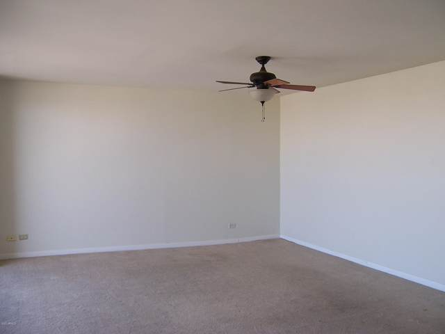 207 W Clarendon Avenue 22C, Phoenix, AZ 85013 (MLS #6142434) :: Long Realty West Valley