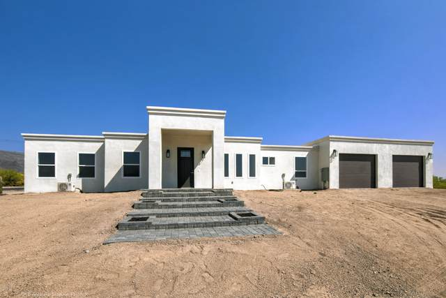5977 E 18th Avenue, Apache Junction, AZ 85119 (MLS #6144443) :: The Everest Team at eXp Realty