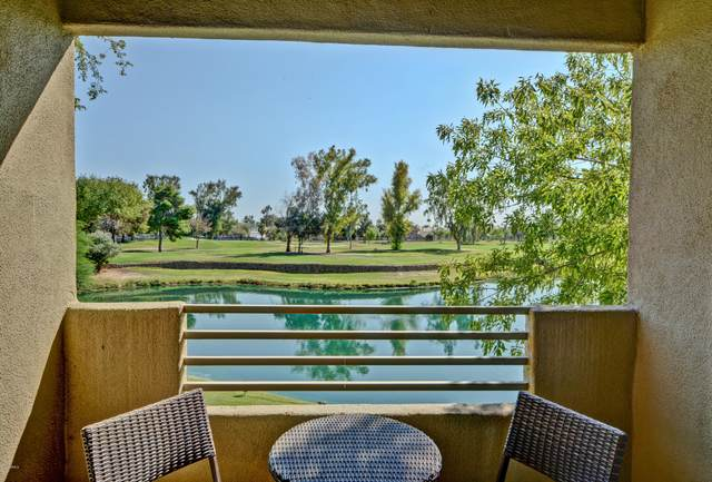 7401 W Arrowhead Clubhouse Drive #2036, Glendale, AZ 85308 (MLS #6149844) :: The Garcia Group