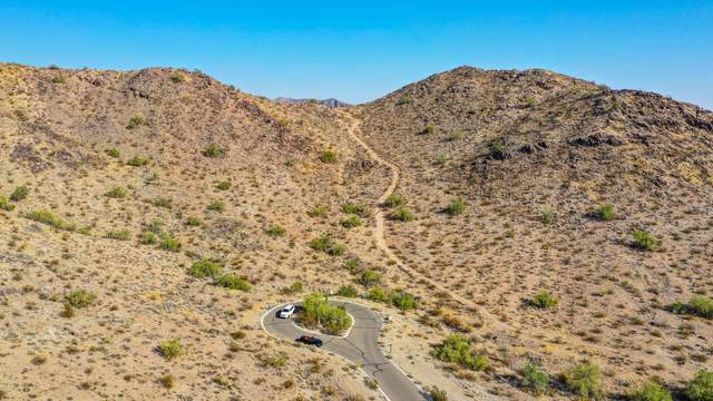 3195 N Mountain Side Loop, Buckeye, AZ 85396 (MLS #6149873) :: The W Group