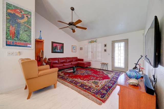 819 E Piute Avenue, Phoenix, AZ 85024 (MLS #6153982) :: The Property Partners at eXp Realty