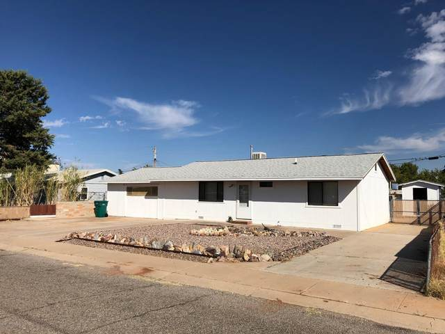 102 1st Street, Huachuca City, AZ 85616 (MLS #6154986) :: Arizona Home Group