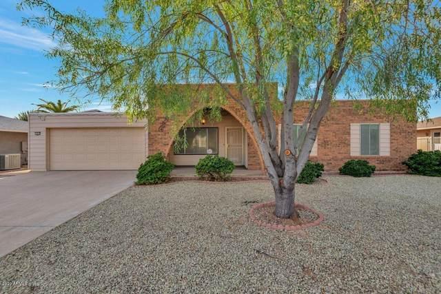 16634 N Lakeforest Drive, Sun City, AZ 85351 (MLS #6162624) :: Brett Tanner Home Selling Team