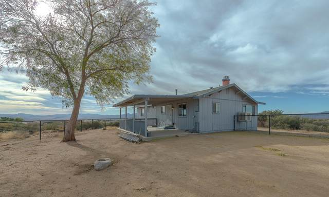 8750 S Cantebury Drive, Wilhoit, AZ 86332 (MLS #6164560) :: The Laughton Team