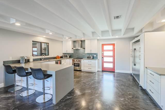 8749 E El Nido Lane, Scottsdale, AZ 85250 (#6165041) :: Long Realty Company