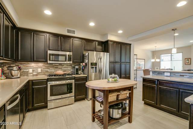 17850 N 68TH Street #2165, Phoenix, AZ 85054 (MLS #6174012) :: The Copa Team | The Maricopa Real Estate Company