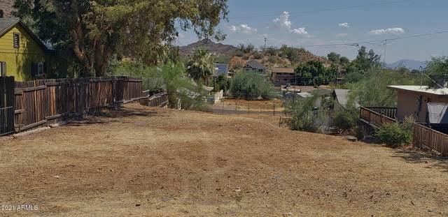 1533 E Sunnyside Drive, Phoenix, AZ 85020 (MLS #6177409) :: The Helping Hands Team