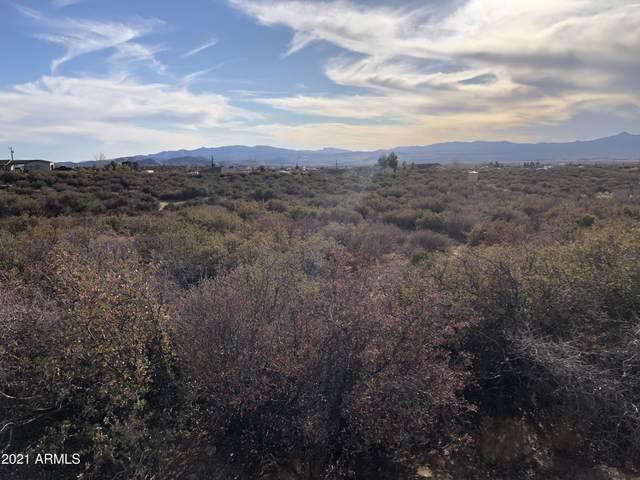 7980 W Redrock Road, Kirkland, AZ 86332 (MLS #6178999) :: The Riddle Group