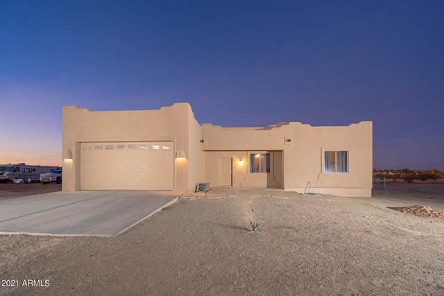 31117 N 219TH Drive, Wittmann, AZ 85361 (MLS #6181443) :: Yost Realty Group at RE/MAX Casa Grande