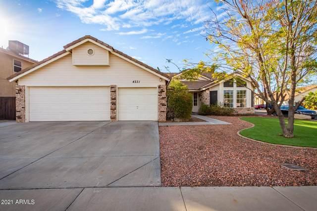 4231 W Calle Lejos, Glendale, AZ 85310 (MLS #6182994) :: Howe Realty