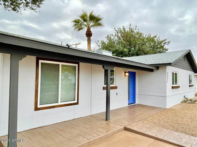 2211 W Gardenia Drive, Phoenix, AZ 85021 (MLS #6185863) :: The Laughton Team