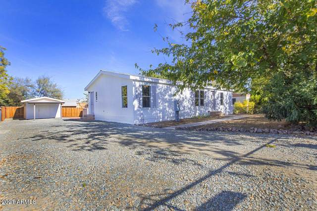 20816 E Sierra Drive, Mayer, AZ 86333 (MLS #6185993) :: Maison DeBlanc Real Estate