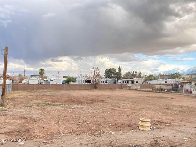 59 N Santa Barbara, Mesa, AZ 85201 (MLS #6188548) :: The Riddle Group