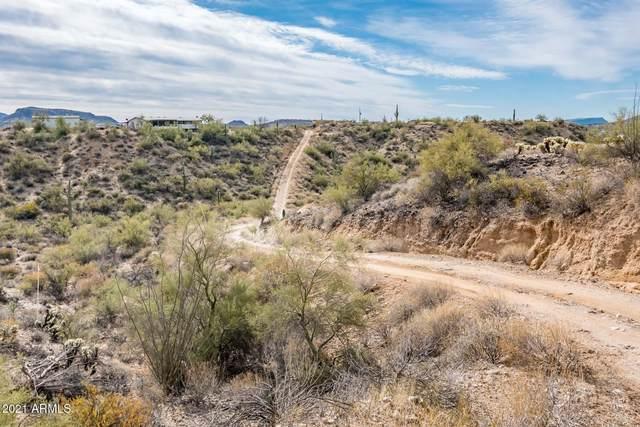 33030 S Matala Way, Black Canyon City, AZ 85324 (MLS #6190312) :: The Laughton Team