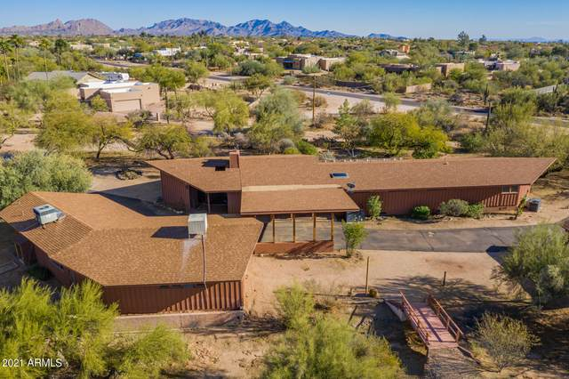 6140 E Peak View Road, Cave Creek, AZ 85331 (MLS #6190766) :: Devor Real Estate Associates