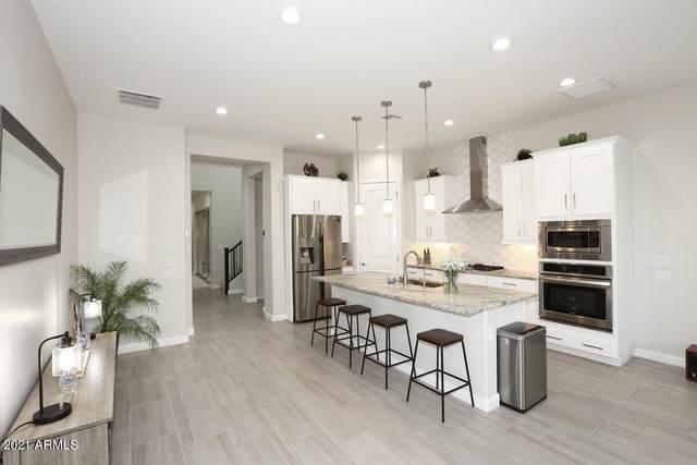 18221 N 66TH Way, Phoenix, AZ 85054 (MLS #6194483) :: Conway Real Estate