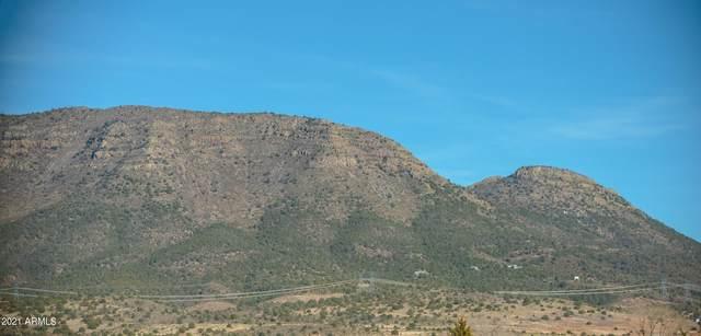 12825 E Mingus Vista Drive, Prescott Valley, AZ 86315 (MLS #6196852) :: The Dobbins Team