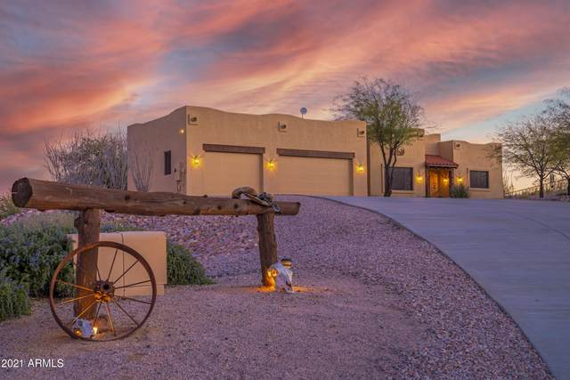 20785 W Cattle Iron Drive, Wickenburg, AZ 85390 (MLS #6197896) :: Sheli Stoddart Team | M.A.Z. Realty Professionals