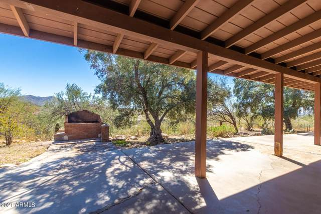 4049 W F. Bond Road, New River, AZ 85087 (MLS #6203623) :: CANAM Realty Group