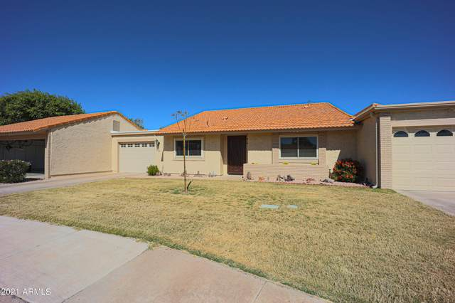 302 Leisure World, Mesa, AZ 85206 (MLS #6203958) :: Devor Real Estate Associates