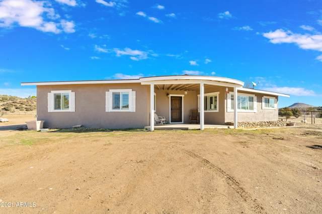 5470 W Stazenski Road, Prescott, AZ 86305 (MLS #6205059) :: Long Realty West Valley