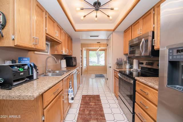 19016 N 12TH Street, Phoenix, AZ 85024 (MLS #6210428) :: Yost Realty Group at RE/MAX Casa Grande